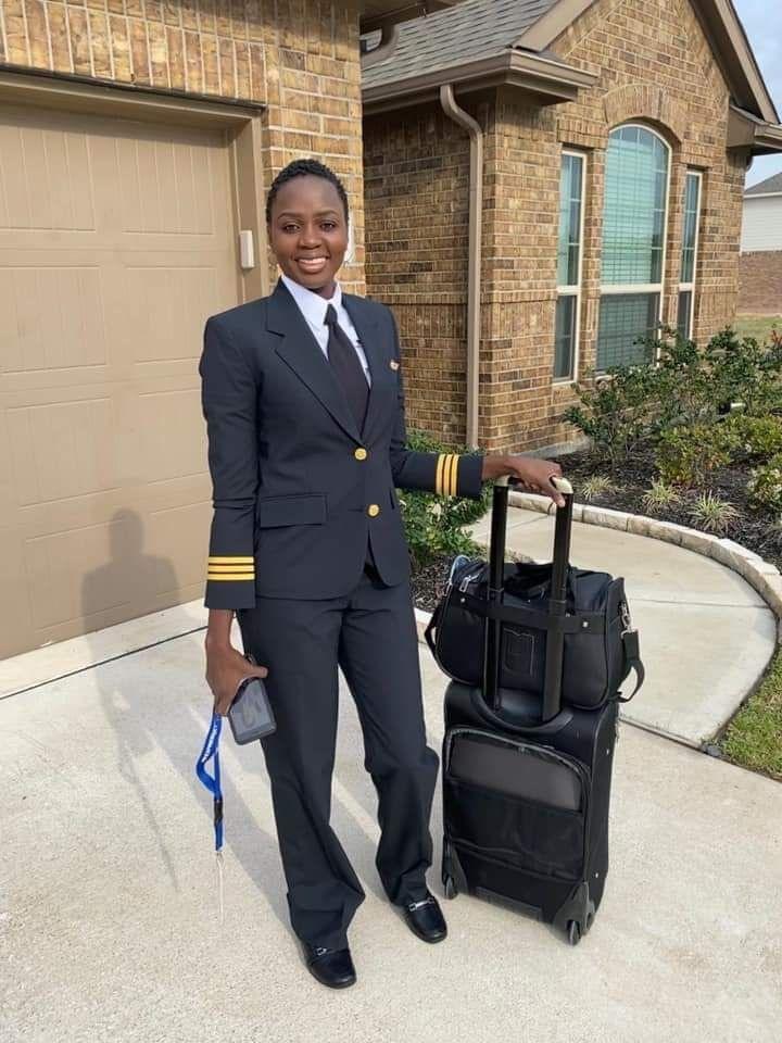 img 3215 Khady Djibril Ndiaye, pilote de ligne: «J'ai piloté un avion avant de conduire une voiture»